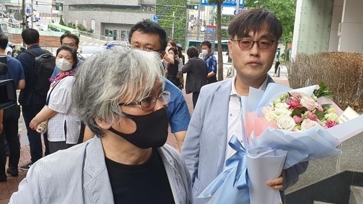 """김민웅 교수 """"강진구 기자 피해 확대, 절대 안돼"""""""